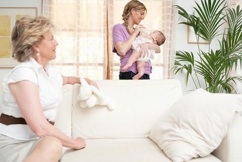 Kako pomoci novoj mami, babinje
