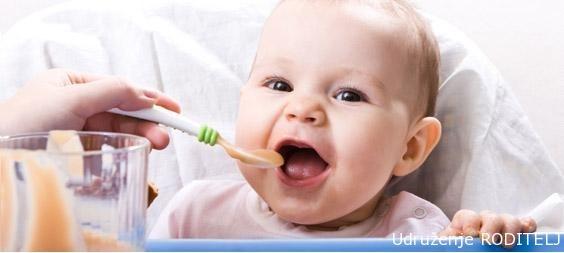 Uvodjenje dohrane, čvrste hrane kod beba