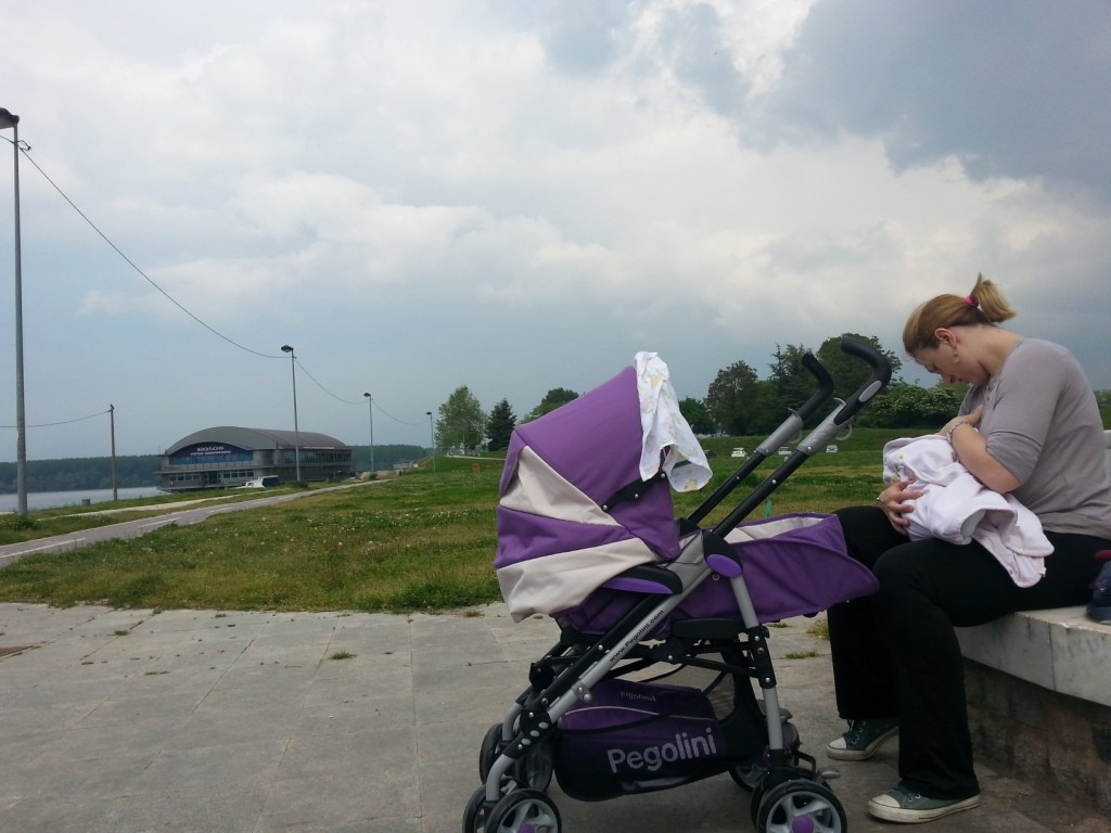 Fotografija broj 53: mama Tijana Burčul, beba Neva Burčul 3,5 meseci